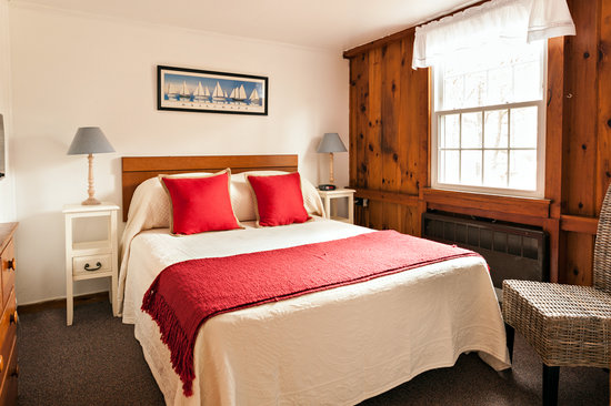 Cove Bluffs Inn: Two Bedroom Suite