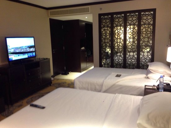 Sheraton Dubai Creek Hotel & Towers : room