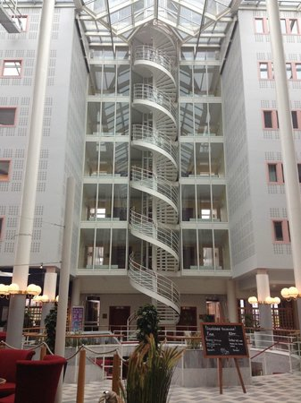 Scandic Ariadne : View of the nautical themed lobby