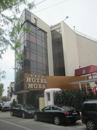 Le Boutique Hotel Moxa: Outside the hotel