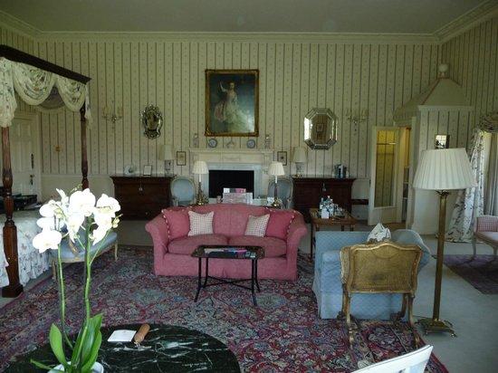 Hartwell House: Queen's room