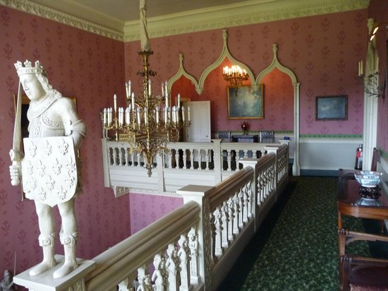 Hartwell House: Landing