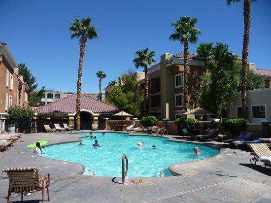 Desert Rose Resort: het prima zwembad