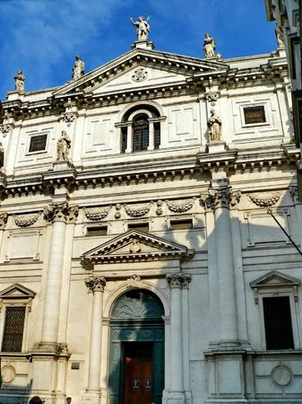 Iglesia San Salvador: Church of San Salvatore
