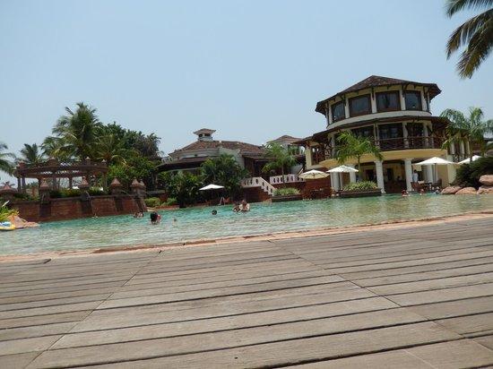 Park Hyatt Goa Resort and Spa: pool side