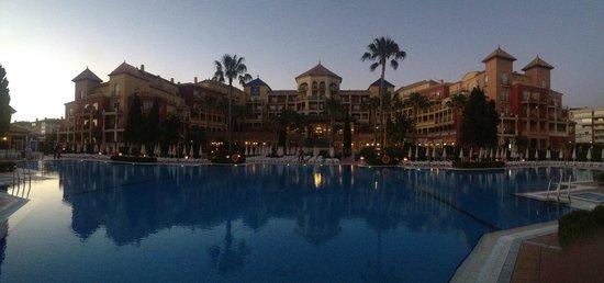 Iberostar Malaga Playa: hôtel vue de la piscine