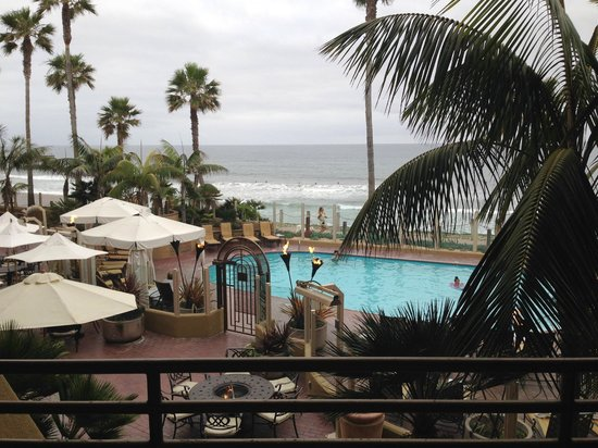 Pacific Terrace Hotel: View from room 215