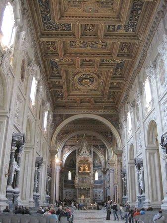 Arcibasilica di San Giovanni in Laterano: Basilica di San Giovanni in Laterano, Rom - April 2014 - 3