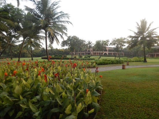 Park Hyatt Goa Resort and Spa: hotel gardens