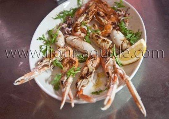 La Griglia: Grigliata mista di scampi, calamari e gamberi