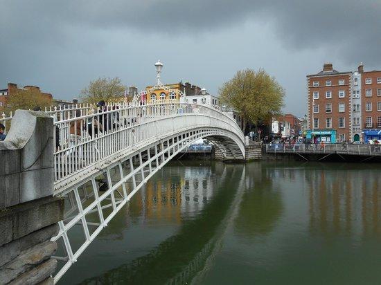 Puente Halfpenny Bridge: Halfpenny Bridge