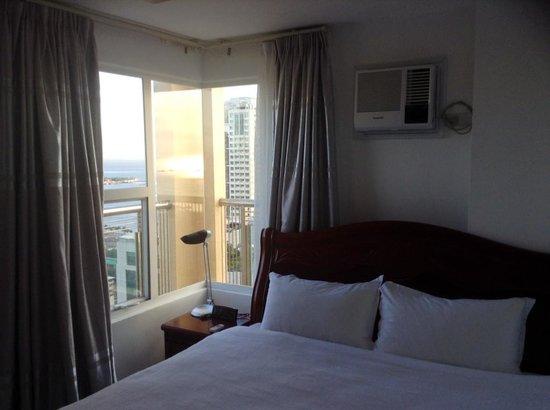 Regency Grand Suites : bedroom
