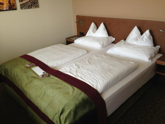 Falkensteiner Hotel & Spa Bad Leonfelden: gemütliches Bett