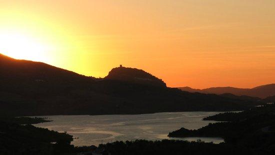 Cortijo Salinas: Coucher de soleil sur le lac