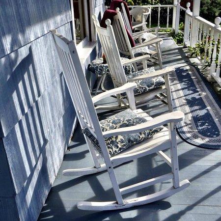 Katy's Inn: Front porch