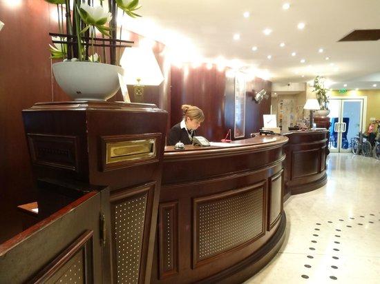 Hotel La Solitude : Reception