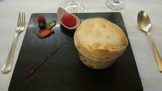 Le  Clos  Champel : Dessert: soufflé, délicieux