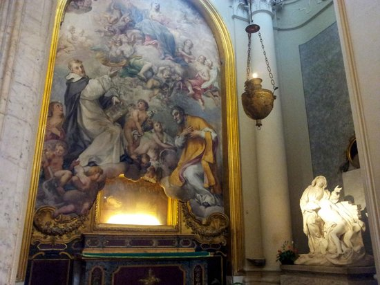 Arcibasilica di San Giovanni in Laterano: Painting and statue - San Giovanni in Laterano