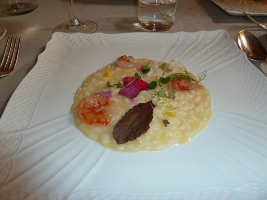 Ristorante Butterfly: Risotto with prawn sashimi and wild flowers