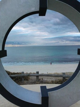 Cottesloe Beach : Framing the view