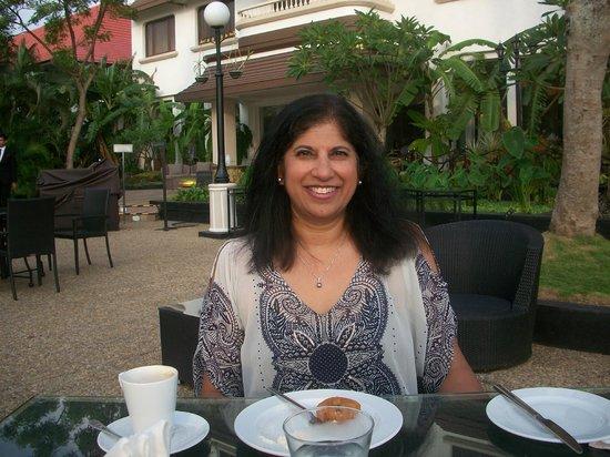 Vivanta by Taj - Malabar: Tea and Snacks on the Patio