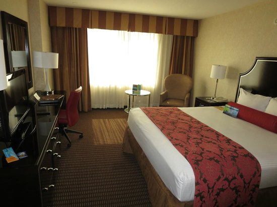 Silver Legacy Resort and Casino: Room