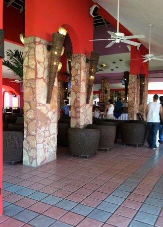 Royal Decameron Complex : 22 - Lounge Bar