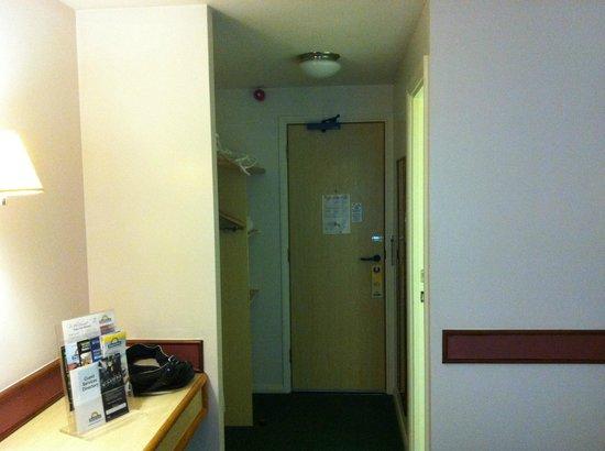 Days Inn Bristol M5: Room 115