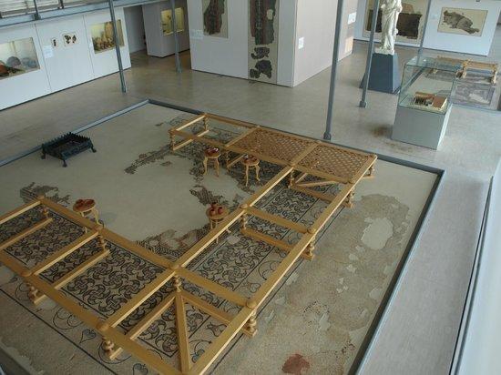 Grande mosa que d 39 accueil du mus e photo de saint romain - Piscine st romain en gal ...