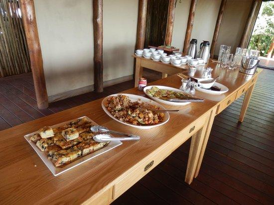 Thanda Safari : Afternoon tea at the tented camp.