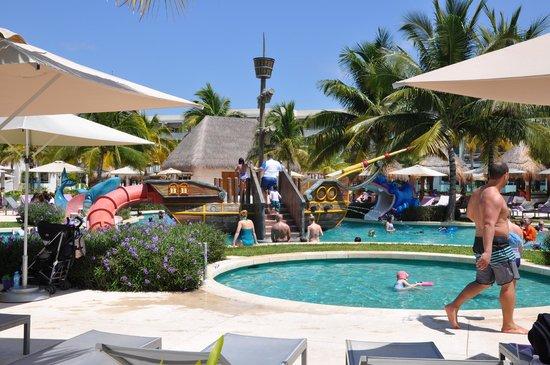 Paradisus Playa Del Carmen La Esmeralda: Piscine