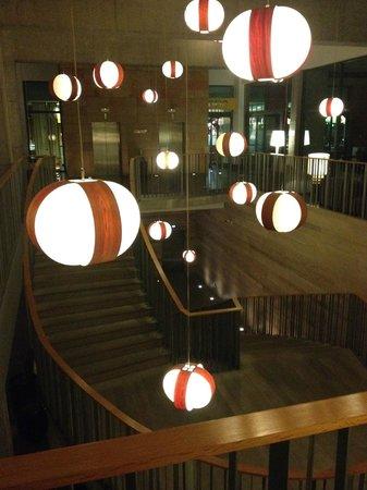Sheraton Gran Canaria Salobre Golf Resort: escalier entre la réception et le niveau 1