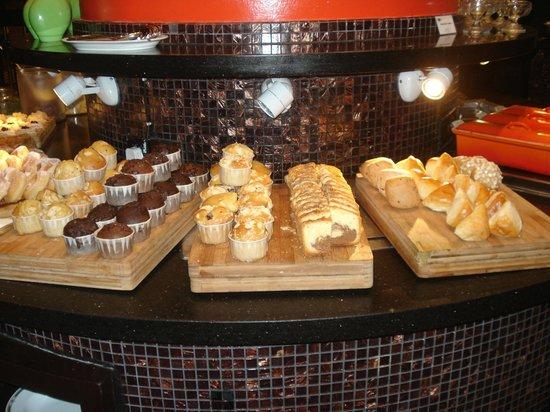 Incredible Buffet Criativas Intercontinental Hotel Kl Buffet Interior Design Ideas Tzicisoteloinfo