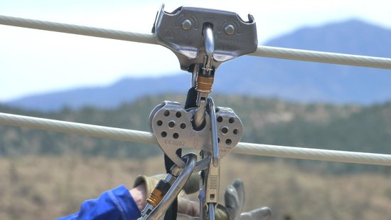 Royal Gorge Zip Line Tours : Security first, then fun and astonishing sceneries