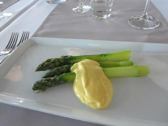 Restaurant Kyla : Asparagus hollandaise