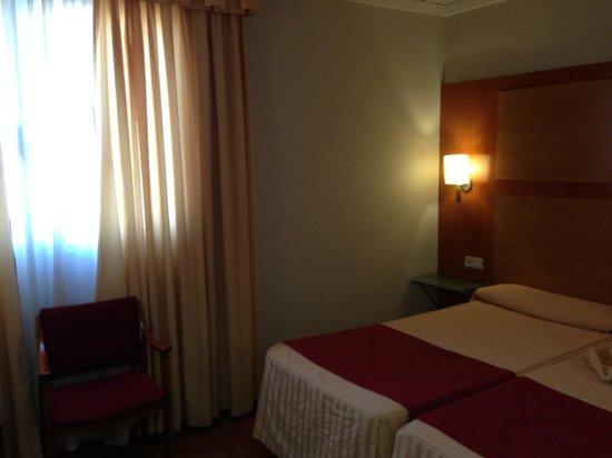 Hotel Reconquista: HABITACION 515