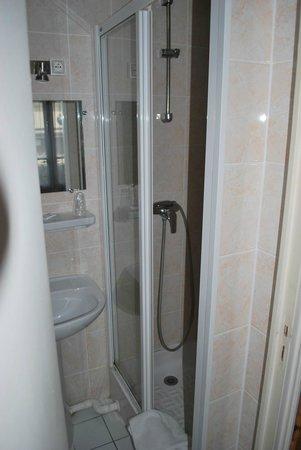 Hotel Paris Nord : Room 14 - bathroom