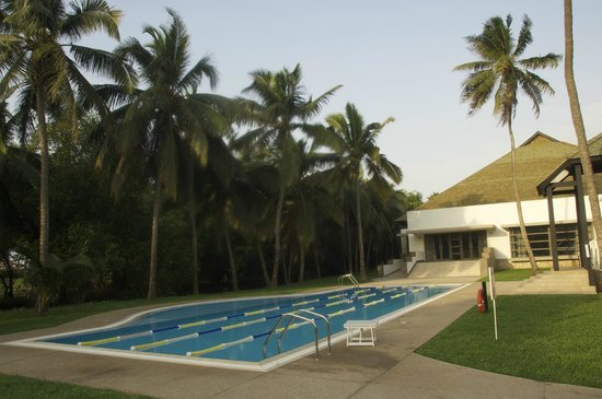 Labadi Beach Hotel: Lap pool