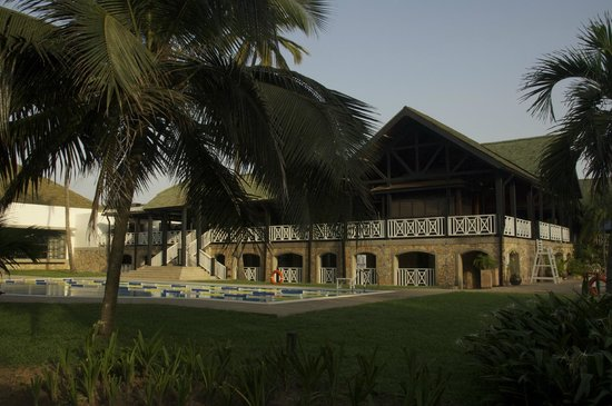Labadi Beach Hotel: Hotel grounds
