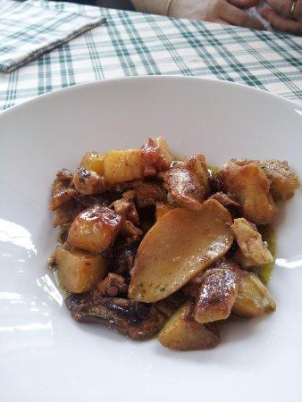 La Vecchia Griglia: Polpo con patate e funghi