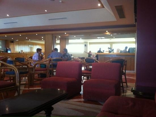 Albufeira Sol Suite Hotel & Spa: the bar