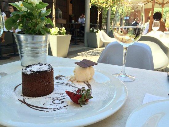 B. Restaurant: Moelleux au chocolat
