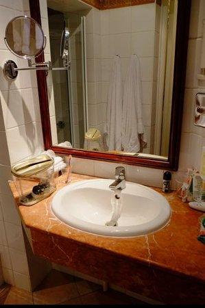 Hotel Jardin Le Brea: Bathroom, room no.5