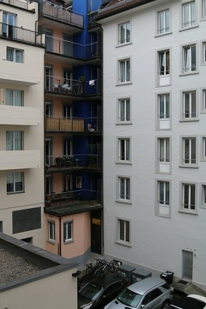 ibis Styles Luzern City: Вид из окна
