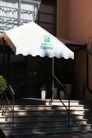 Holiday Inn Express Rome - San Giovanni: Вход