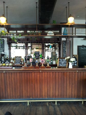 The King Street Tavern: The bar area