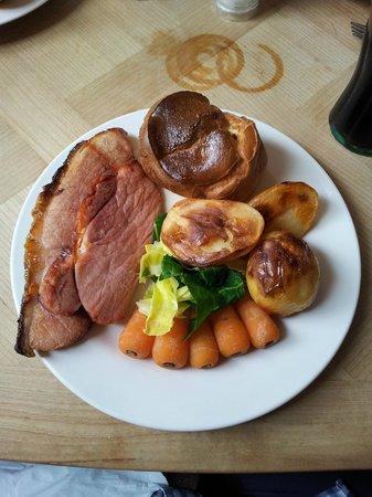 The King Street Tavern: Honey-glazed ham