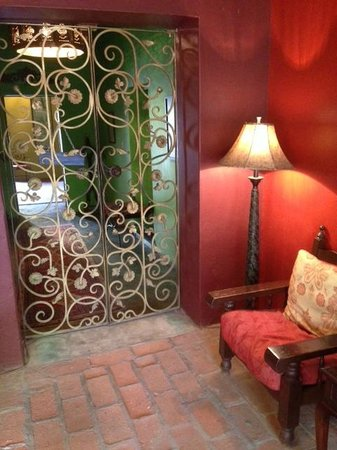 Hotel California: Metal gate to lobby