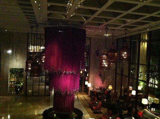 Mandarin Oriental, Bangkok : Lobby at night