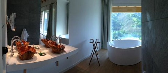 Arantza Hotela : Salle de bains